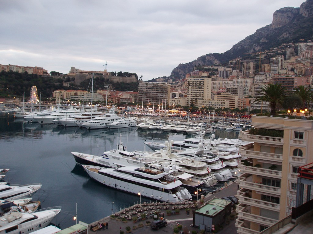Vue d'ensemble sur le port de Monaco